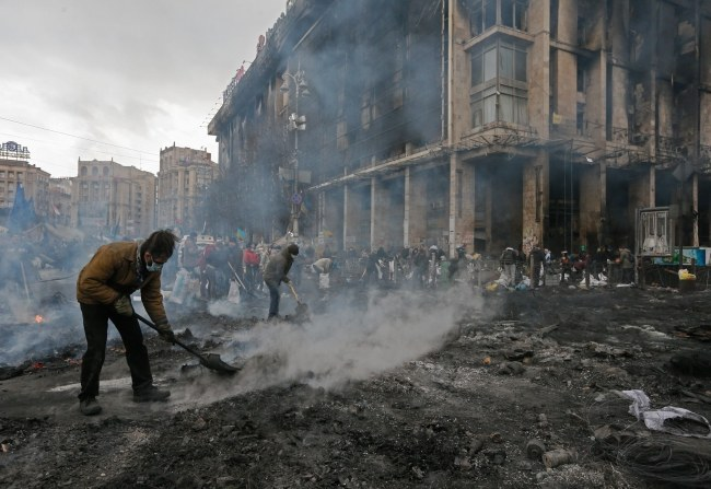 """Dumanski nie zgadza się z """"polityką angażowania sił zbrojnych w wewnętrzny konflikt cywilny"""" /SERGEY DOLZHENKO /PAP/EPA"""