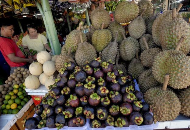 Durian to bardzo towarzyski owoc, jedzony zazwyczaj wśród znajomych /AFP