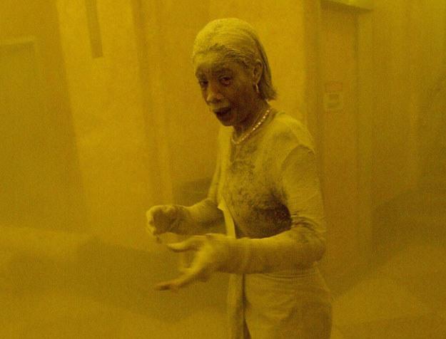 """""""Dust lady"""": Marcy Borders 11 września 2001 roku /STAN HONDA /AFP"""