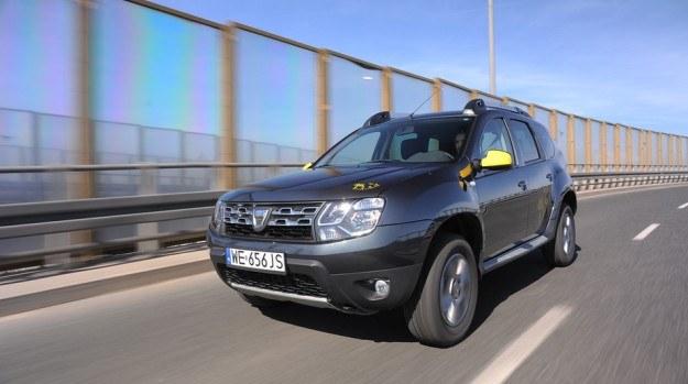 Duster imponuje wysokością prześwitu. W wersji 4WD wynosi on aż 21 cm, a w odmianie 2WD – 20,5 cm. /Motor