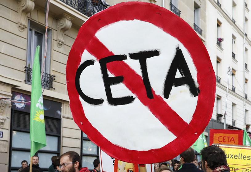 """""""Duża część sprzeciwu przeciwko umowie z Kanadą dotyczy właśnie GMO"""" /AFP"""