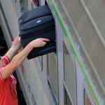 Duży bagaż lub ciężkie zakupy? W Grodzisku Mazowieckim pomogą Ci... tragarze!