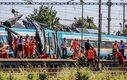 Polski kierowca tira uderzył w pędzący pociąg. W wypadku śmierć poniosły dwie osoby, a 13 zostało rannych, spośród 170 pasażerów Pendolino