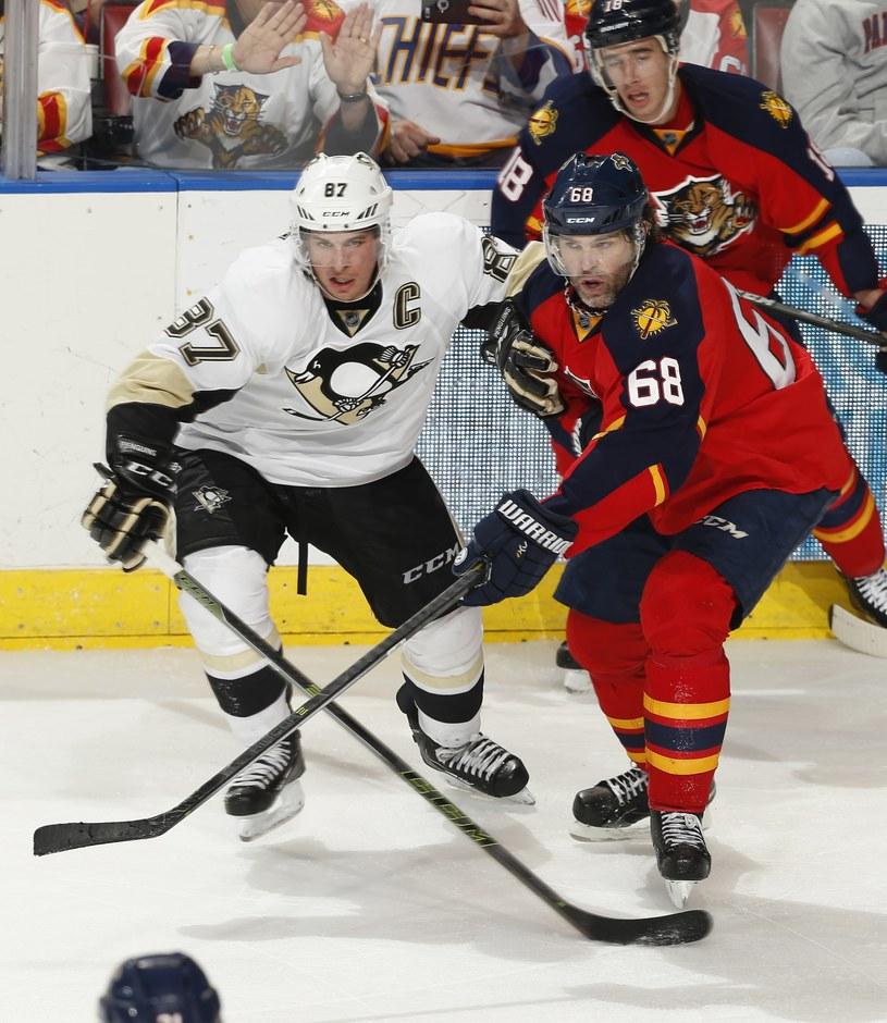 Dwaj wielcy z NHL: Sidney Crosby i Jaromir Jagr. /AFP