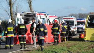 Dwie ofiary zderzenia szkolnego busa z ciężarówką