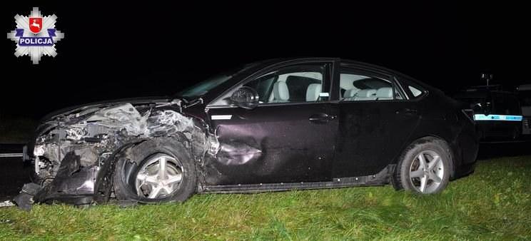 Dwie osoby jadące Mazdą 6 nie odniosły obrażeń /