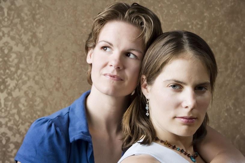 Dwie trzecie małżeństw zawarły lesbijki /123RF/PICSEL