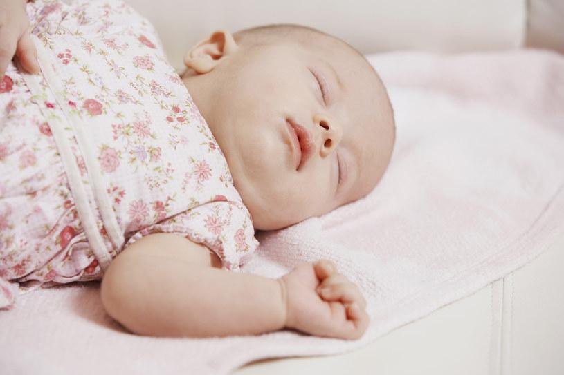 Dwoje niemowlaków zostało wyleczonych z białaczki /© Glowimages
