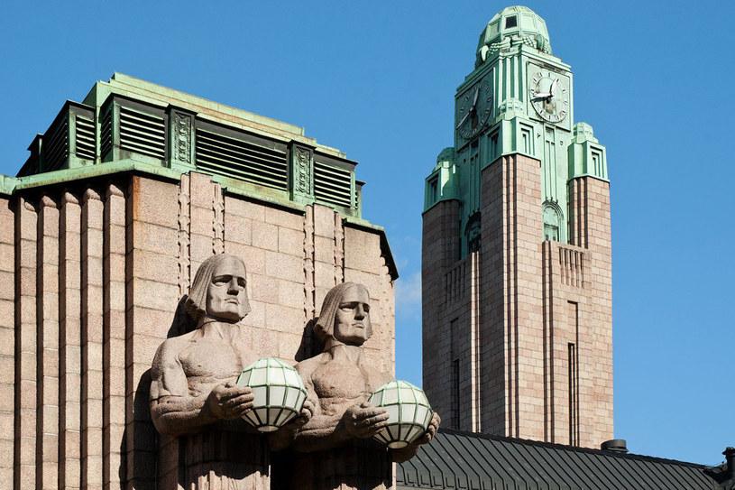 Dworzec Główny w Helsinkach był inspiracją scenografii niezliczonych filmów. Ostatnio wzorowali się na nim twórcy Gotham City w adaptacji Batmana /123RF/PICSEL