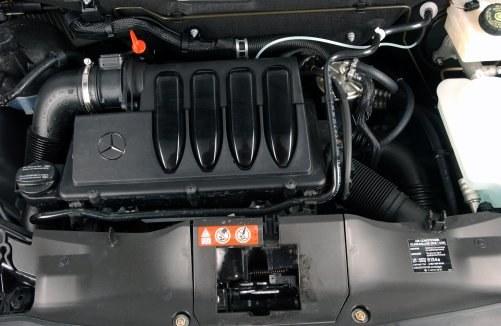 Dwulitrowy diesel Mercedesa jest właściwie bezproblemowy. Ma dużą trwałość. /Motor