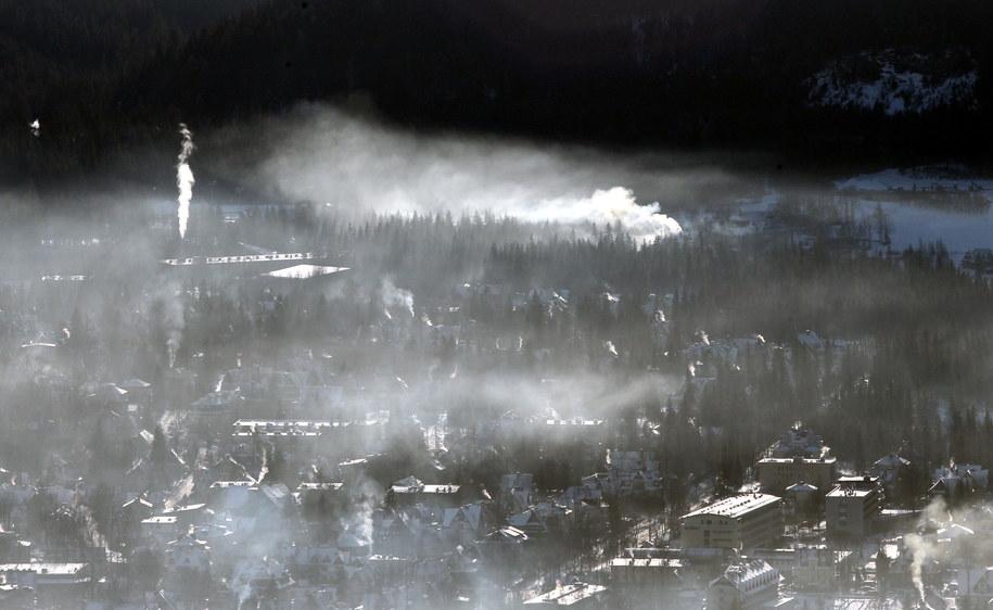 Dymiące kominy w Zakopanem /Grzegorz Momot /PAP