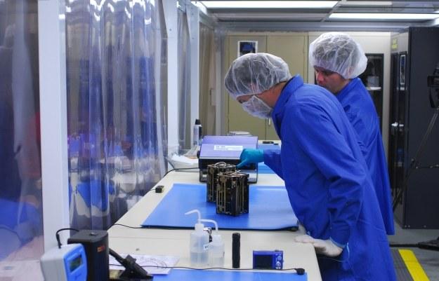Dynamic Ionosphere Cubesat Experiment DICE.  Fot.  VANDENBERG AIR FORCE BASE, Calif. /NASA