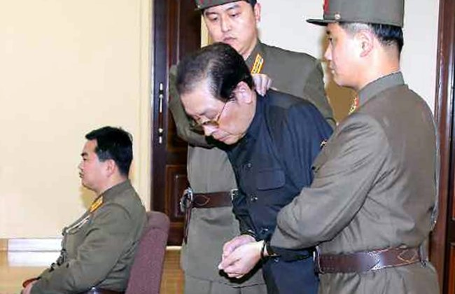 Dzang Song Thaek podczas procesu /RODONG SINMUN  /PAP