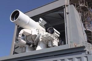 Działo laserowe Navy jest coraz skuteczniejsze
