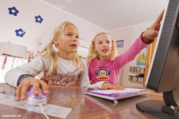 Dzieci narażone są w internecie na wiele niebezpieczeństw /materiały prasowe