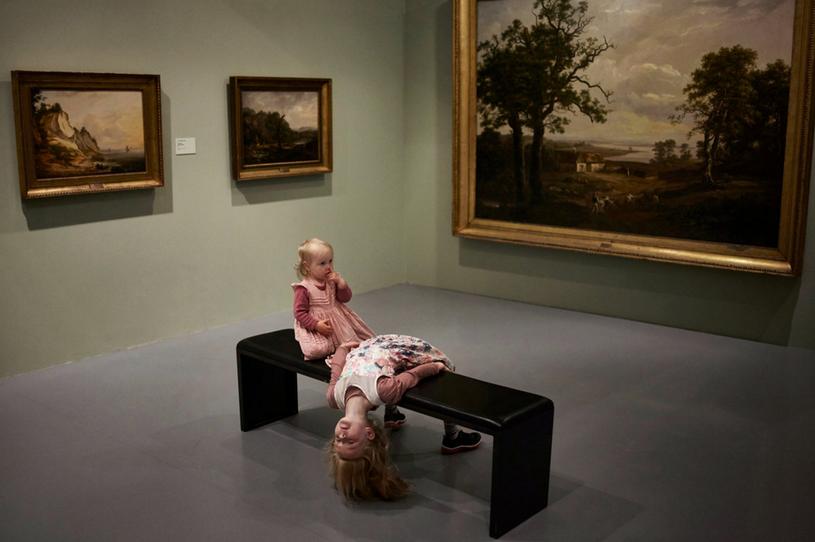 Dzieci podczas wizyty w muzeum sztuki Kode 4 w Bergen /David B. Torch/The New York Times /