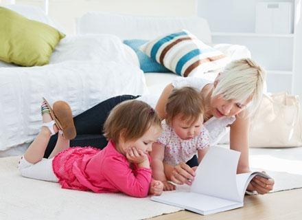 Dzieci potrafią się lepiej koncentrować, prawdopodobnie dzięki słuchaniu dwóch różnych języków /© Panthermedia