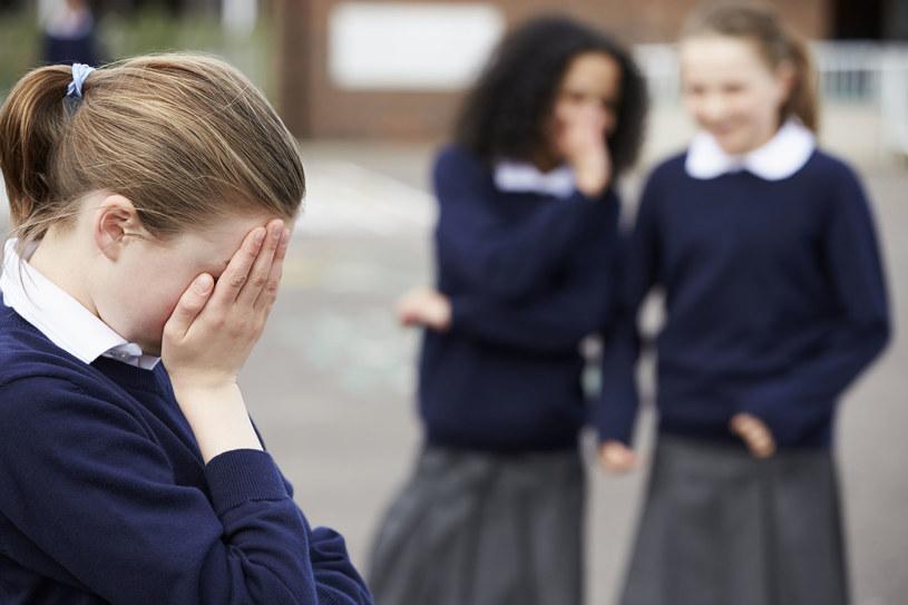 Dzieci przeżywające trudności, niechętnie mówią o nich nawet nam, rodzicom /©123RF/PICSEL