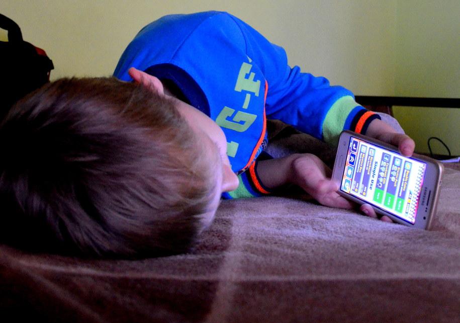 Dzieci tracą sen przez media społecznościowe /Malwina Zaborowska /RMF FM