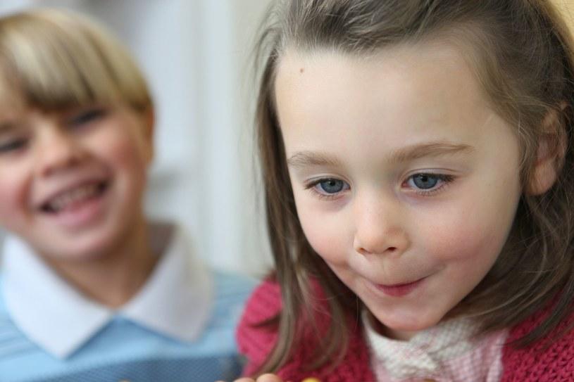 Dzieci uczą się naprawdę szybko /©123RF/PICSEL