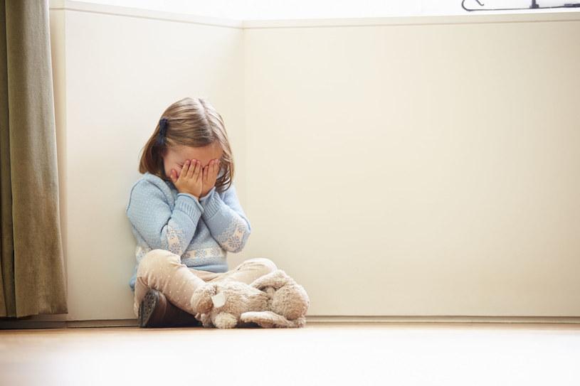 Dziecko inaczej myśli i czuje niż dorosły /©123RF/PICSEL