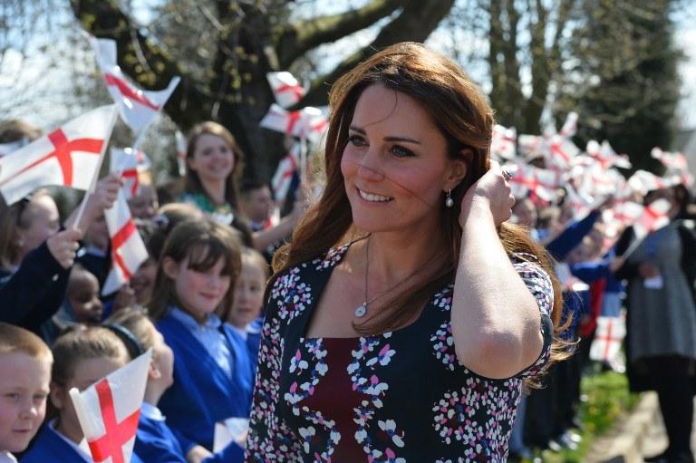 Dziecko księcia Williama i księżnej Catherine będzie trzecie w porządku sukcesji /AFP
