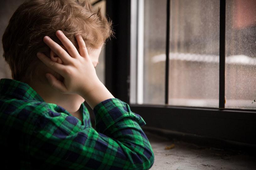 Dziecko nie chce słyszeć raniących słów /©123RF/PICSEL