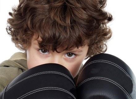 Dziecko w złości potrafi ugryźć, kopnąć, rzucić łopatką /© Panthermedia