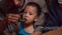 """Dziecko zjada węża w programie """"Azja Express"""""""
