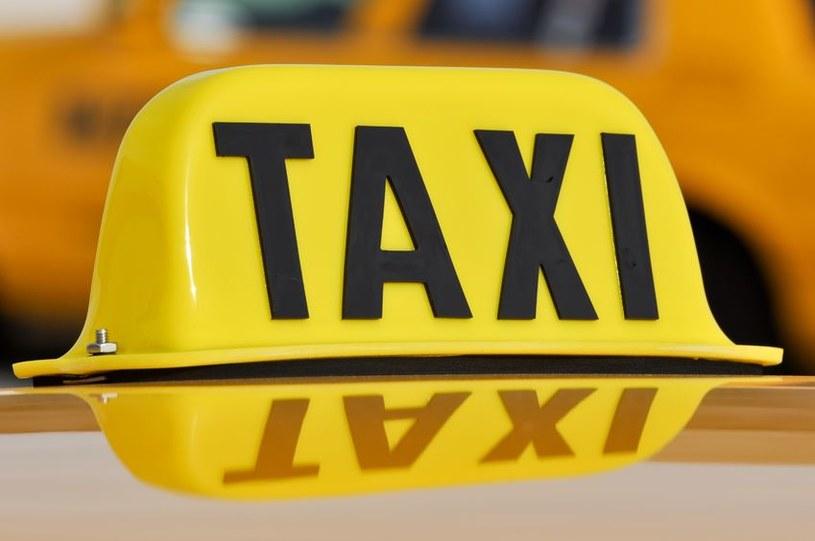 Dzięki nowej aplikacji abonenci Toya będą mogli zamówić taksówkę przez TV. /©123RF/PICSEL