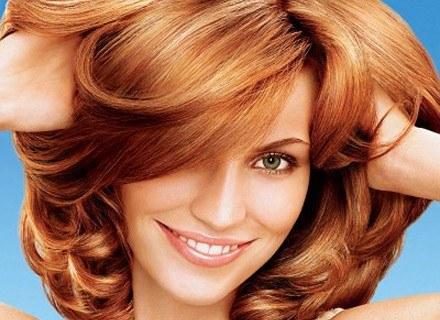 Dzięki odpowiedniej pielęgnacji włosy dłużej pozostają gęste i zdrowe /materiały prasowe