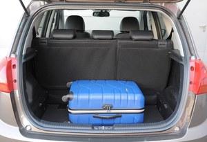 Dzięki przesuwnej kanapie bagażnik można powiększyć z 440 do 570 l. /Motor