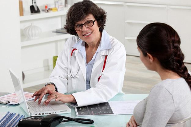 Dzięki regularnym wizytom u lekarza, można wcześnie wykryć mięśniaki /© Panthermedia