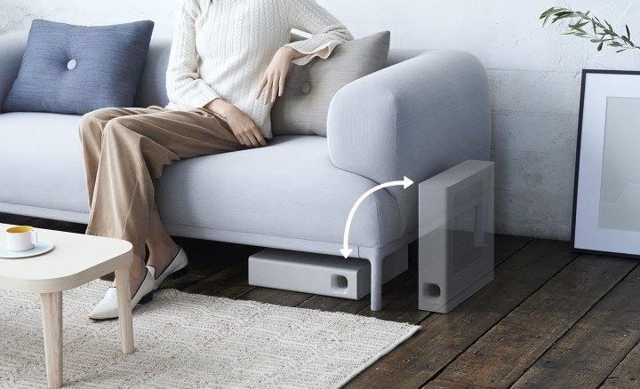 Dzięki rozsądnym rozmiarom, i podwójnej konfiguracji, HT-MT300 łatwo umieścic np. pod sofą /materiały prasowe