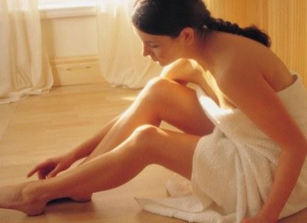 Dzięki samoopalaczom możemy mieć brązową skórę przez cały rok /ThetaXstock