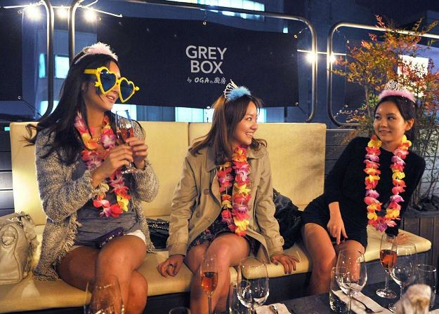 Dzielnica Gangnam słynie z drogich sklepów, ekskluzywnych barów i klubów nocnych /AFP