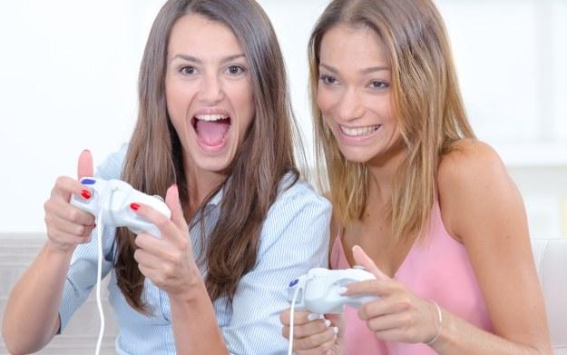 Dziewczyny lubią gry /123RF/PICSEL