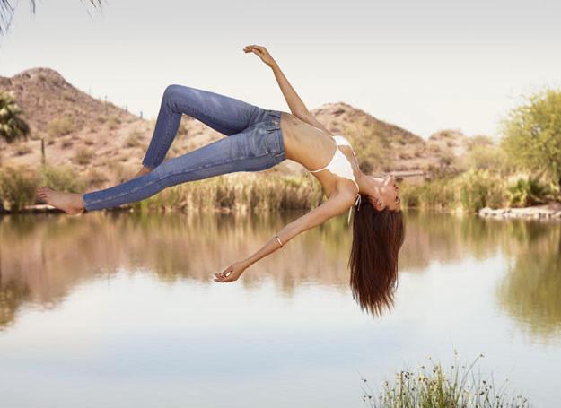 Dżinsy Sunny Skin z kolekcji wiosna/lato 2014 /materiały prasowe