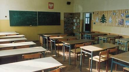 Dziś szkoły w Podlaskiem z racji świąt świecą pustkami... /© Bauer