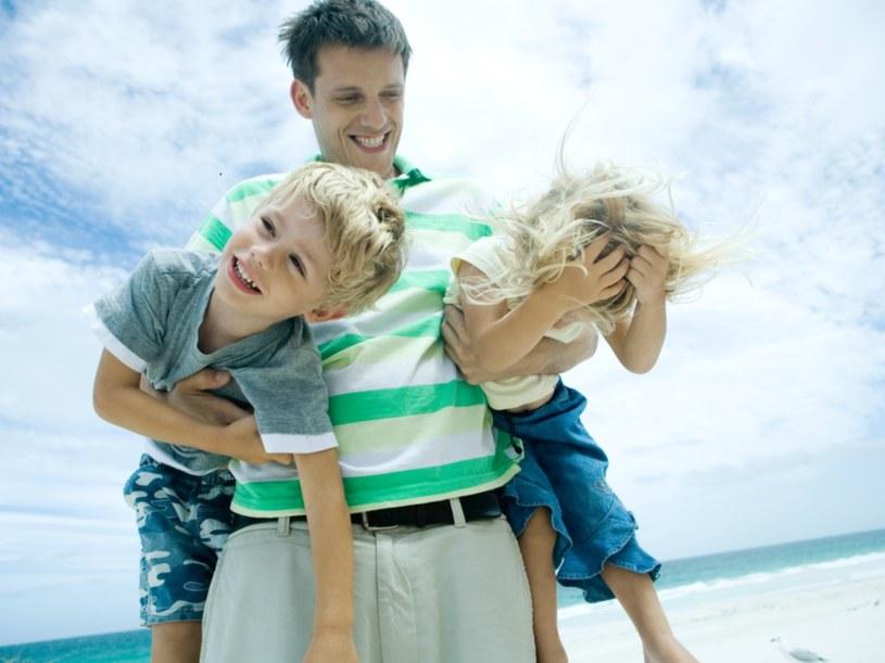 Dzisiejsi ojcowie chcą być obecni w życiu dzieci  /© Bauer