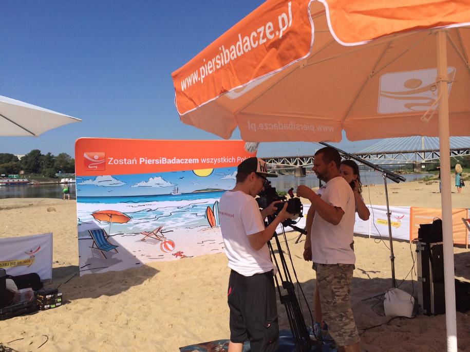 Dzisiejszy casting odbywa się na piaszczystej plaży przy moście Poniatowskiego w Warszawie /Magdalena Gawlik /RMF FM