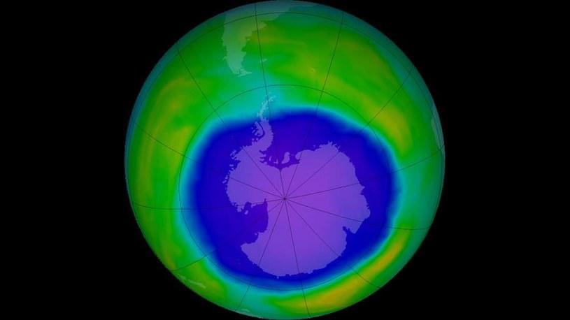 Dziura ozonowa nad Antarktyką w październiku 2015 r. /NASA
