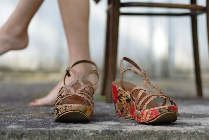 Dziwne mrowienie? To może być zespół niespokojnych nóg /©123RF/PICSEL