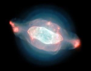 Dziwne struktury w Mgławicy Saturn