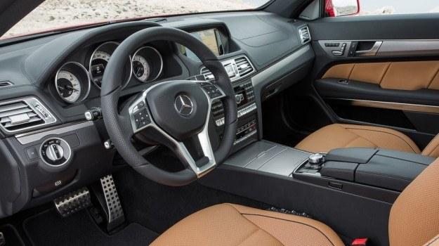 Dźwignię automatycznej skrzyni przeniesiono na kolumnę kierownicy. /Mercedes