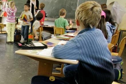 Dzwonek i koniec obowiązków szkolnych? /AFP
