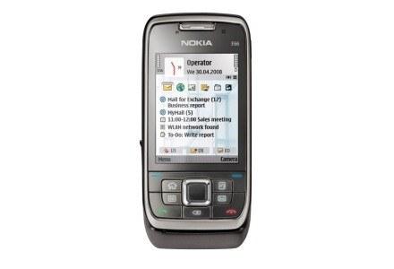E66 - to chyba obecnie jeden z najlepszych telefonów Nokii na rynku. /materiały prasowe
