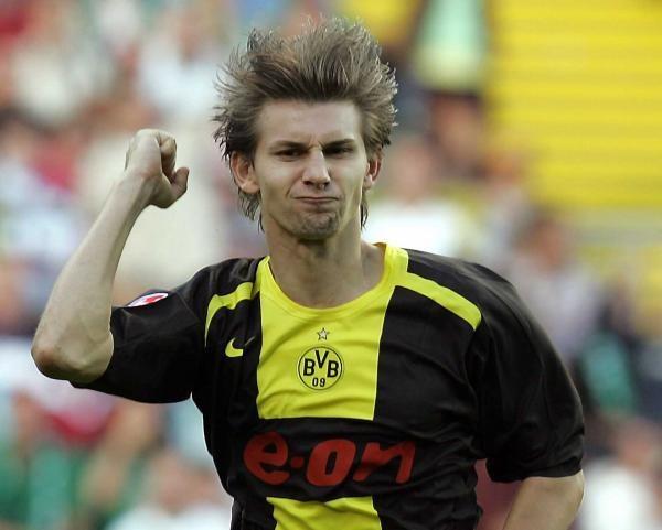 Ebi Smolarek jest rozgoryczony po meczu w Kaiserslautern /AFP