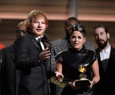 Ed Sheeran trafił do szpitala. Księżniczka rozkroiła jego twarz mieczem