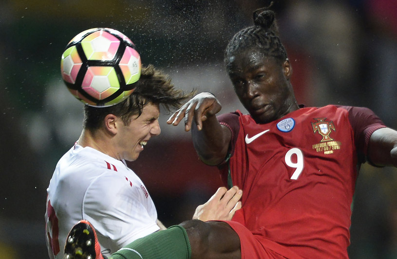 Eder (z prawej) podczas towarzyskiego meczu Portugalii z Gibraltarem /AFP